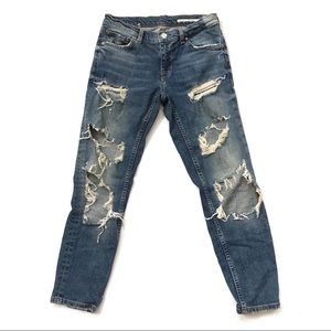Zara medium rise relaxed Distressed Ripped Jeans 2